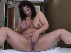 Big butt old babe masturbates in her bathroom