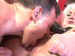Blonde granny with fresh big melons Dana Hayes shows Jay Huntington her horny energy