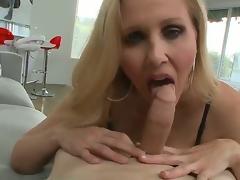 MILF Mama Hausehefrau Blowjob