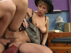 Nasty mature slut gets nailed doggystyle