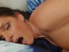 brunette puling hardcore milf