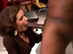 brunette milf barmfager interracial