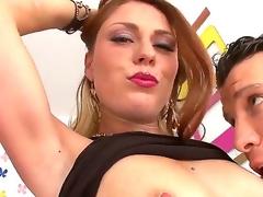brunette store pupper ass stor rumpe