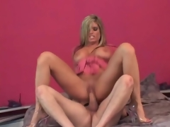 Mommy slut Kristal Summers bounces on jock