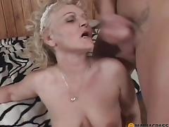 puling moden blonde strømper