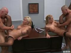 milf blonde gruppe blowjob