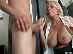 milf blonde blowjob store bryster