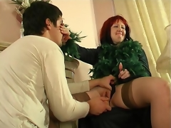 Crummy mature hottie diddling her pussy itching for youthful throbbing pecker
