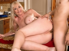 For her first on-camera fuck anywhere, 59-year-old Summeran Winters reenacts one of our favorite scenarios: MILF seduces the delivery boy. Now, if youve ever been a delivery boy, you know this kind of thing happens all the time. Real-life MILFs actually do seduce the delivery boy, whether its the pizza man or the supermarket guy.The thing is, though, usually, the delivery lad is on the receiving end of the most good blow job of his life. In rare instances, this guy gets some slit to fuck. But how often does this guy get to fuck the MILF in the ass? Almost never, which is what..